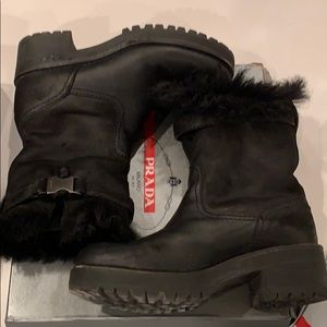 Black leather and shearling boots